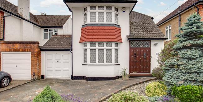 Asking Price £925,000, 3 Bedroom Detached House For Sale in Stanmore, HA7