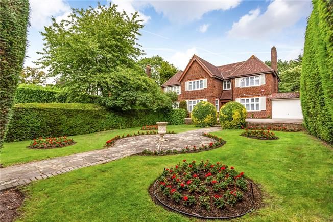 Asking Price £2,500,000, 5 Bedroom Detached House For Sale in Middlesex, HA7