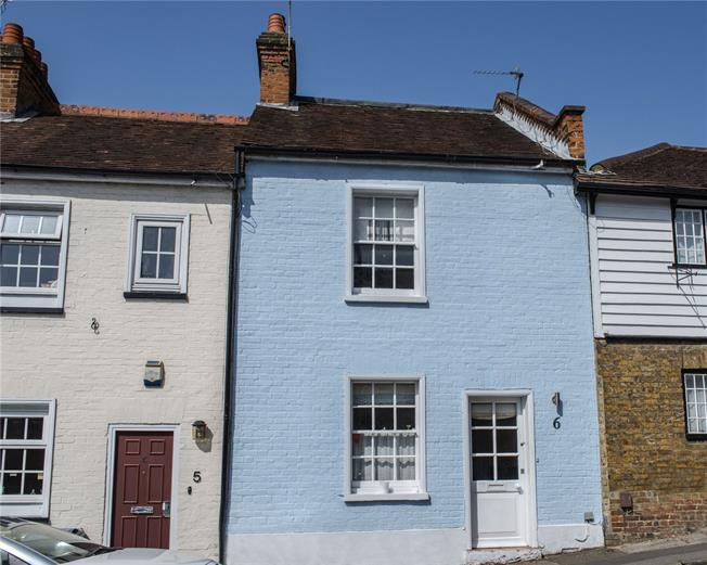 Asking Price £435,000, 2 Bedroom Terraced House For Sale in Stanmore, HA7