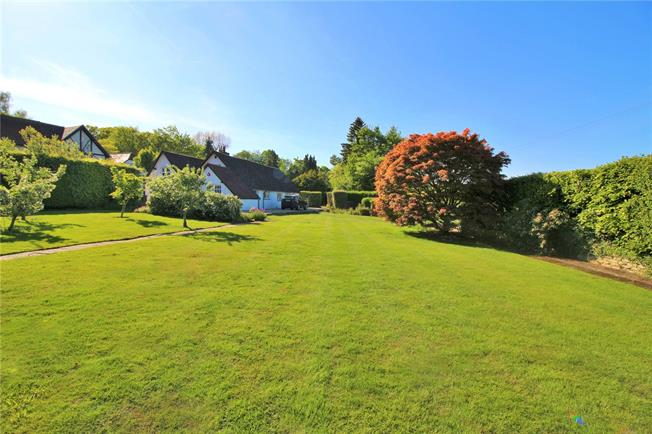Asking Price £1,450,000, 3 Bedroom Bungalow For Sale in Hertfordshire, WD7