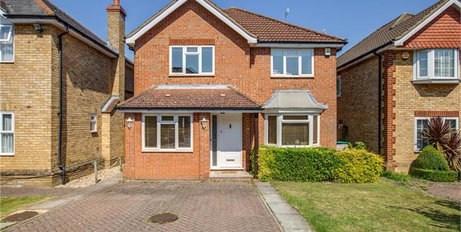 Asking Price £850,000, 4 Bedroom Detached House For Sale in Bushey, WD23