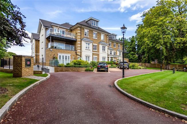 Asking Price £1,200,000, 2 Bedroom Flat For Sale in Hertfordshire, WD23