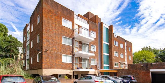 Asking Price £625,000, 2 Bedroom Flat For Sale in Stanmore, HA7