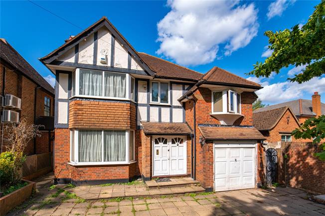 Asking Price £1,000,000, 4 Bedroom Detached House For Sale in Stanmore, HA7