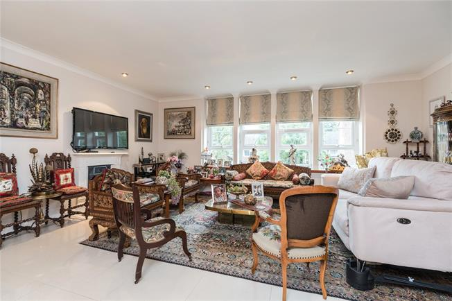 Asking Price £620,000, 2 Bedroom Flat For Sale in Stanmore, HA7