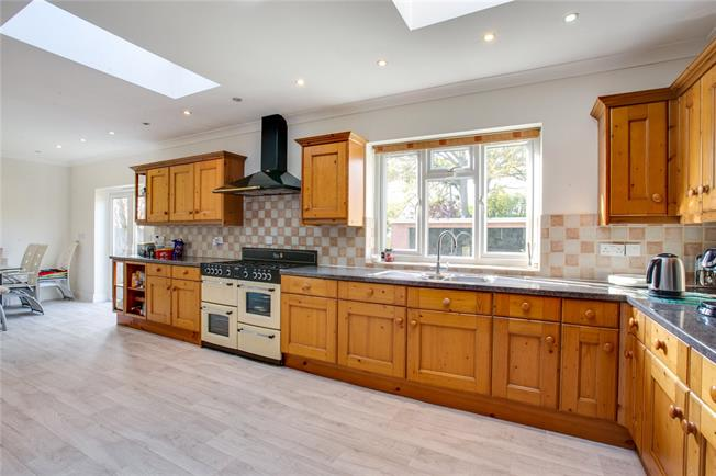 Asking Price £800,000, 5 Bedroom Semi Detached House For Sale in Stanmore, HA7