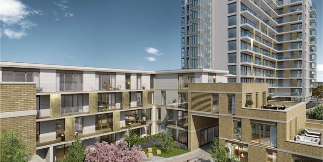 Asking Price £575,000, 2 Bedroom Flat For Sale in London, N20