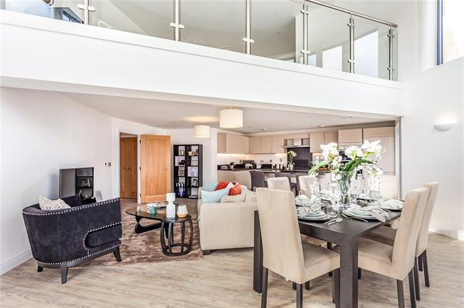 Asking Price £799,950, 2 Bedroom Flat For Sale in Mill Hill, London, NW7