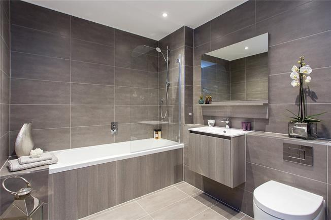 Asking Price £539,000, 2 Bedroom Flat For Sale in Hendon, London, NW4