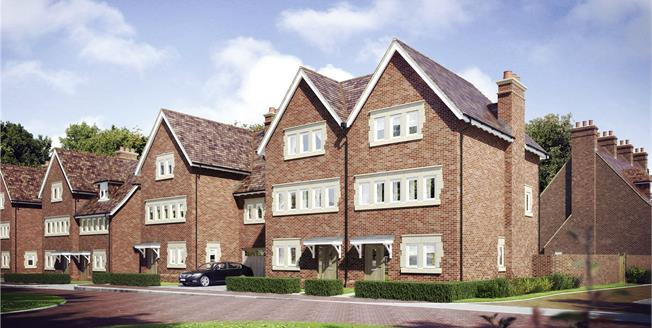 Asking Price £995,000, 4 Bedroom Semi Detached House For Sale in Mill Hill, London, NW7