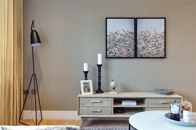 Asking Price £490,000, 3 Bedroom Flat For Sale in New Barnet, EN5