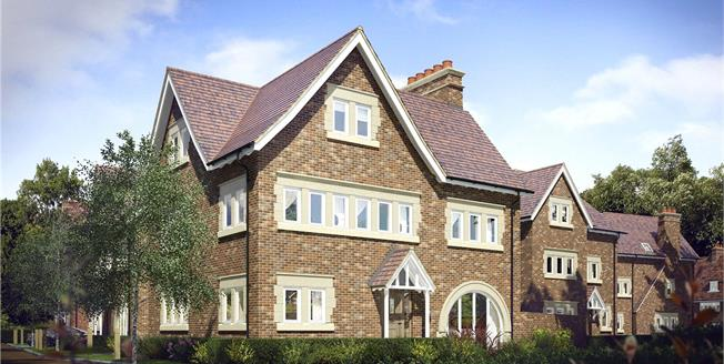 Asking Price £1,400,000, 5 Bedroom Detached House For Sale in Mill Hill, London, NW7
