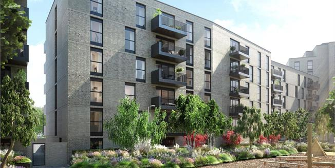 Asking Price £350,000, 1 Bedroom Flat For Sale in Harrow, Middlesex, HA1