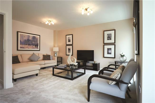 Offers in the region of £570,000, 2 Bedroom Flat For Sale in Mill Hill, London, NW7