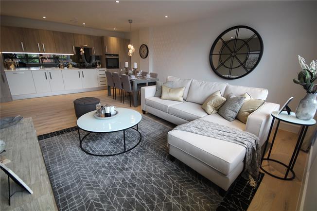 Asking Price £595,000, 2 Bedroom Flat For Sale in New Barnet, EN5