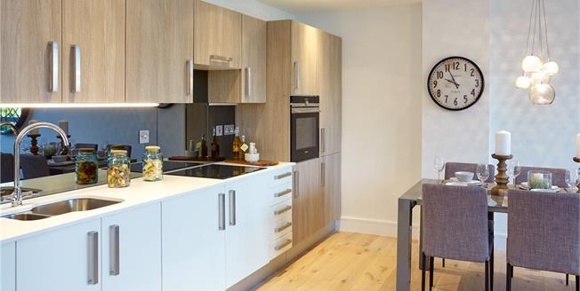 Asking Price £595,000, 3 Bedroom Flat For Sale in New Barnet, EN5