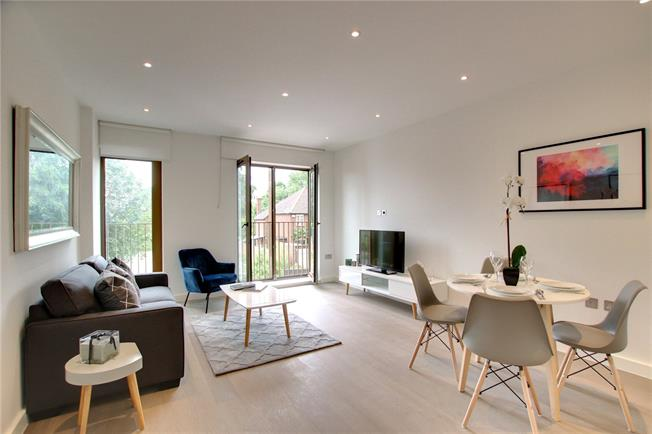 Asking Price £320,000, 1 Bedroom Flat For Sale in St Albans, AL1