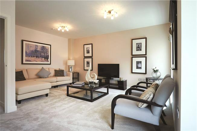 Asking Price £769,950, 2 Bedroom Flat For Sale in Mill Hill, London, NW7