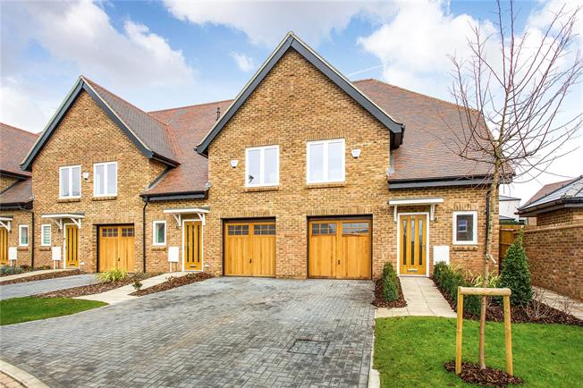 Offers in the region of £774,950, 3 Bedroom Detached House For Sale in Hertfordshire, WD23