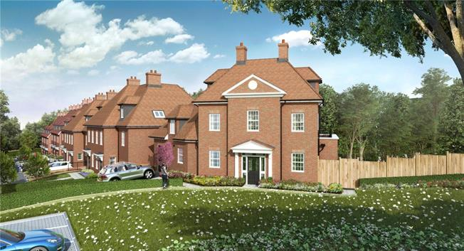 Asking Price £1,500,000, 5 Bedroom Detached House For Sale in Arkley, EN5