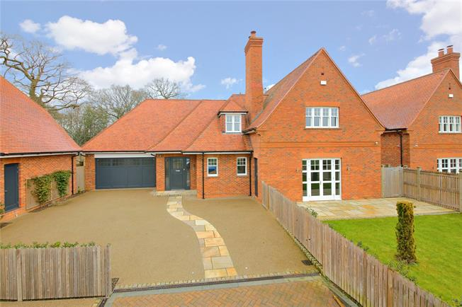 Asking Price £1,995,000, 4 Bedroom Detached House For Sale in Stanmore, HA7
