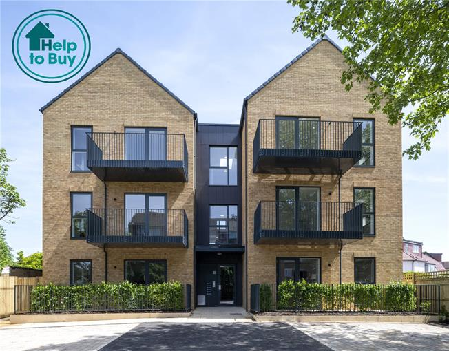 Asking Price £445,000, 2 Bedroom Flat For Sale in London, W13