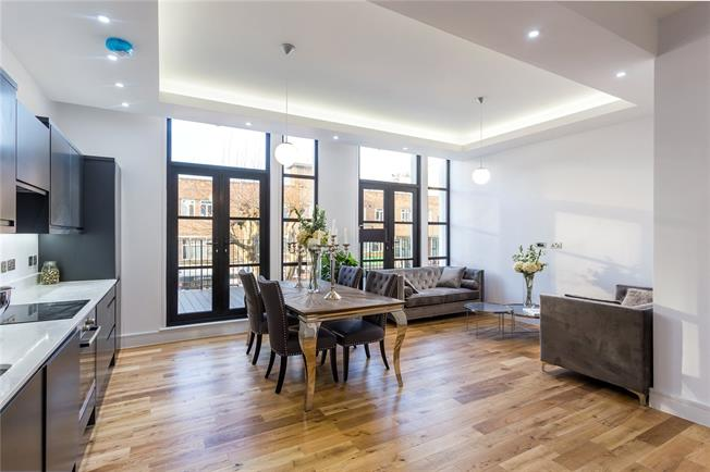 Offers in the region of £375,000, 1 Bedroom Flat For Sale in London, N12