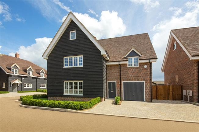 Asking Price £1,275,000, 5 Bedroom Detached House For Sale in Watford, Hertfordshire, WD25