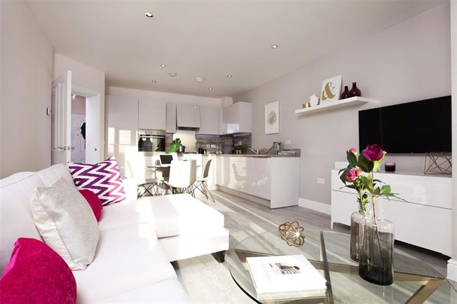 Asking Price £429,950, 2 Bedroom Flat For Sale in Harrow, Middlesex, HA1