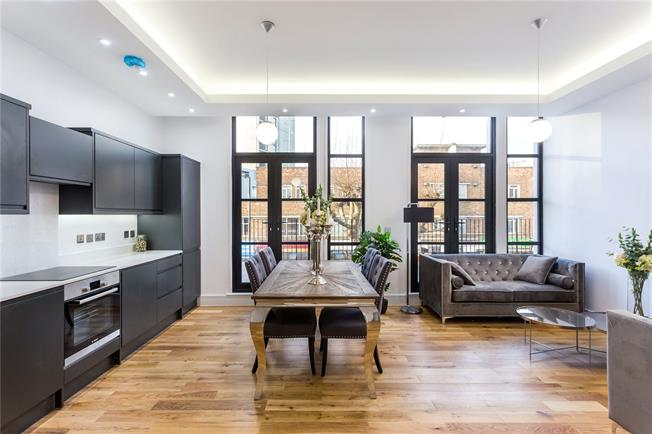 Asking Price £485,000, 1 Bedroom Flat For Sale in London, N12
