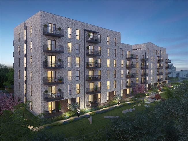 Asking Price £395,000, 2 Bedroom Flat For Sale in Watford, Hertfordshire, WD18