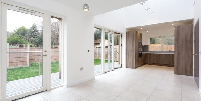 Asking Price £699,950, 3 Bedroom Detached House For Sale in Middlesex, HA7