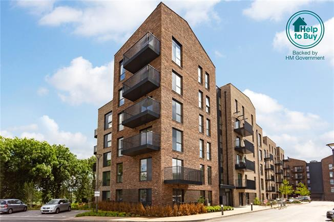 Asking Price £370,000, 2 Bedroom Flat For Sale in Watford, Hertfordshire, WD18