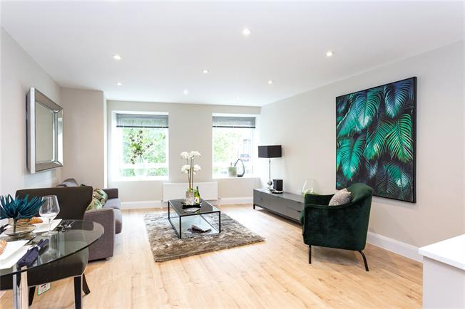 Asking Price £344,950, 1 Bedroom Flat For Sale in The Broadway, Stanmore, HA7