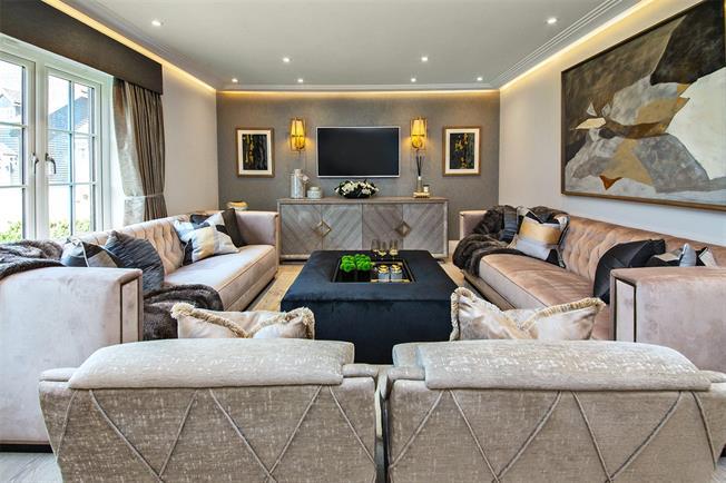 Asking Price £1,195,000, 5 Bedroom Detached House For Sale in Aldenham, WD25