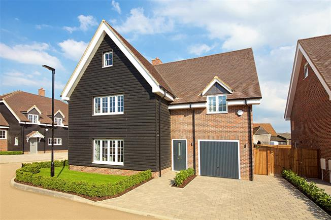 Asking Price £1,150,000, 5 Bedroom Detached House For Sale in Watford, Hertfordshire, WD25