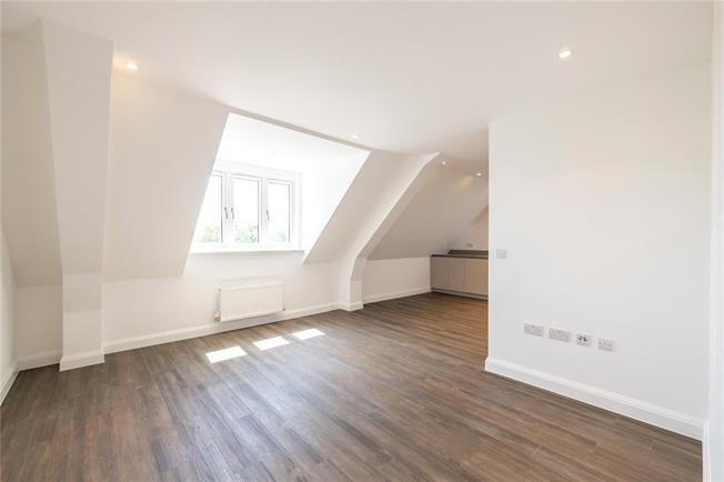 Asking Price £440,000, 2 Bedroom Flat For Sale in Stanmore, HA7