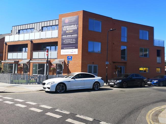Asking Price £314,950, 1 Bedroom Flat For Sale in Southall, Middlesex, UB2