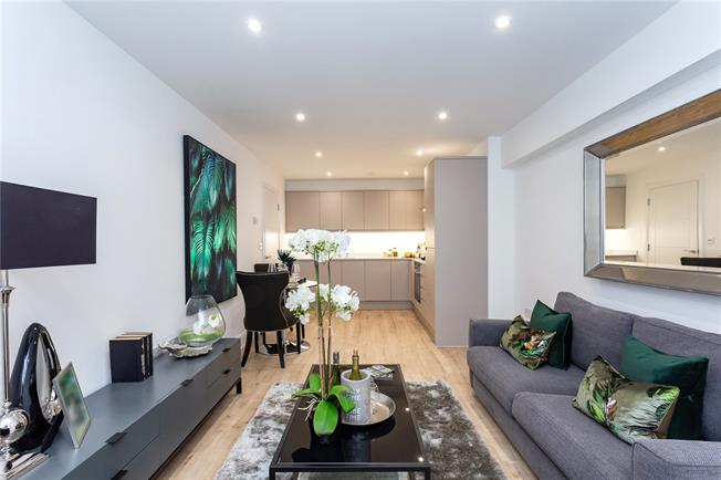 Asking Price £319,950, 1 Bedroom Flat For Sale in Stanmore, HA7