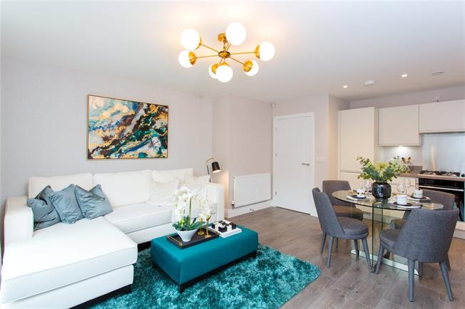Asking Price £485,000, 2 Bedroom Flat For Sale in Harrow, Middlesex, HA1