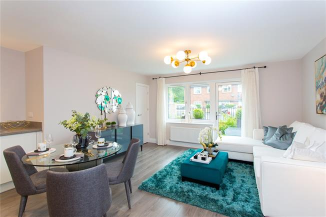 Asking Price £440,000, 2 Bedroom Flat For Sale in Harrow, Middlesex, HA1