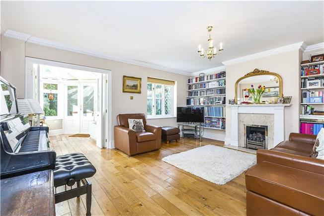 Asking Price £1,250,000, 4 Bedroom Semi Detached House For Sale in London, SE10