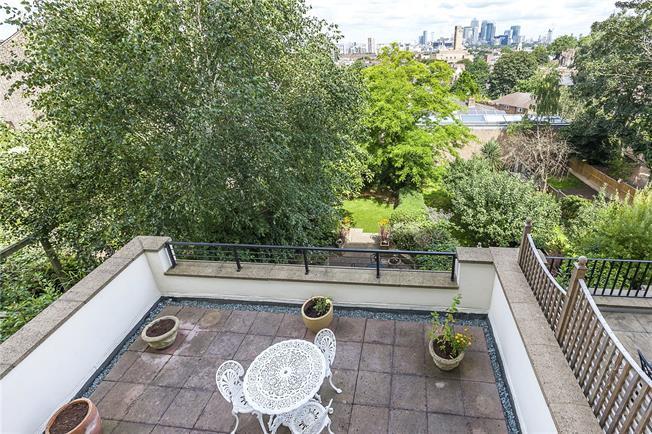 Asking Price £1,000,000, 3 Bedroom Flat For Sale in London, SE10
