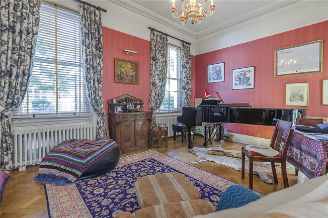 Asking Price £2,000,000, 5 Bedroom Semi Detached House For Sale in London, SE10