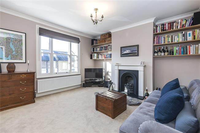 Asking Price £610,000, 2 Bedroom Flat For Sale in London, SE10
