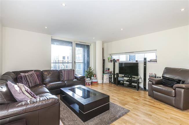 Asking Price £575,000, 2 Bedroom Flat For Sale in London, SE10