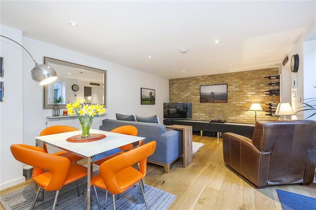 Asking Price £795,000, 3 Bedroom Flat For Sale in London, SE10