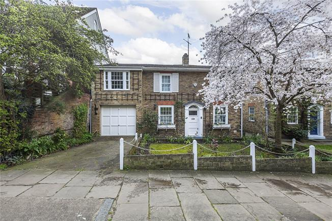Guide Price £1,500,000, 5 Bedroom Detached House For Sale in London, SE10