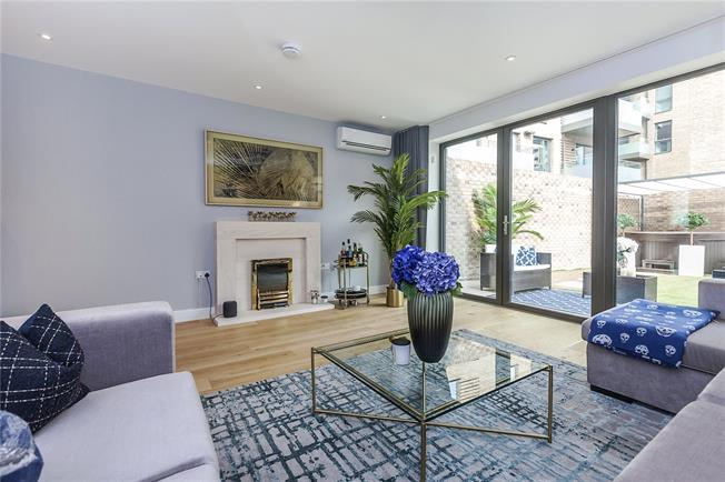 Asking Price £985,000, 4 Bedroom End of Terrace House For Sale in London, SE10