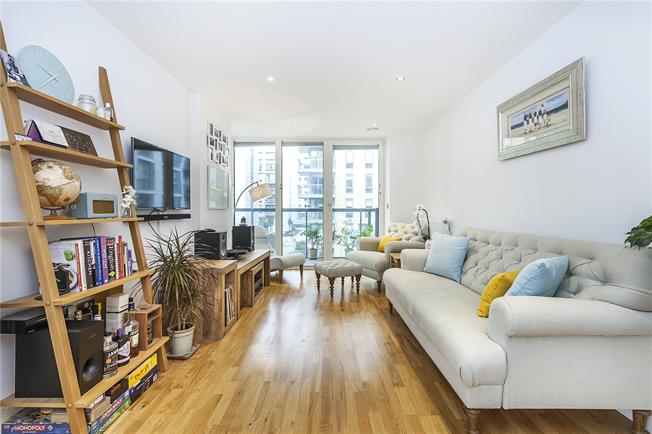 Asking Price £500,000, 2 Bedroom Flat For Sale in 29 Dowells Street, SE10